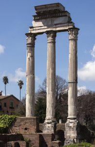 De tre återstående kolonnerna från Castor och Polluxtemplet.