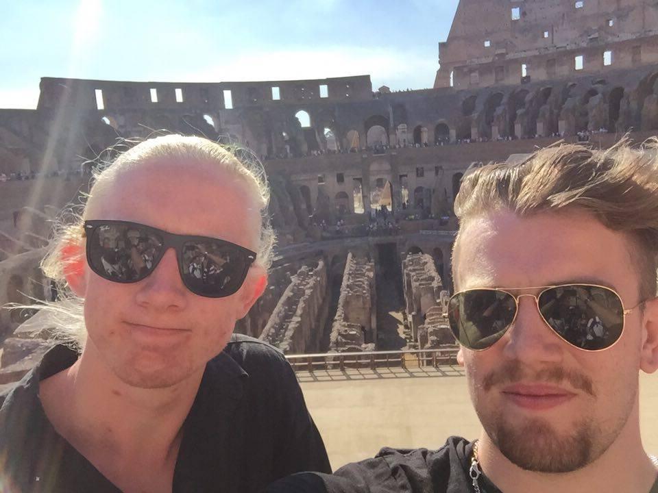 Emil och Vincent på Colosseum