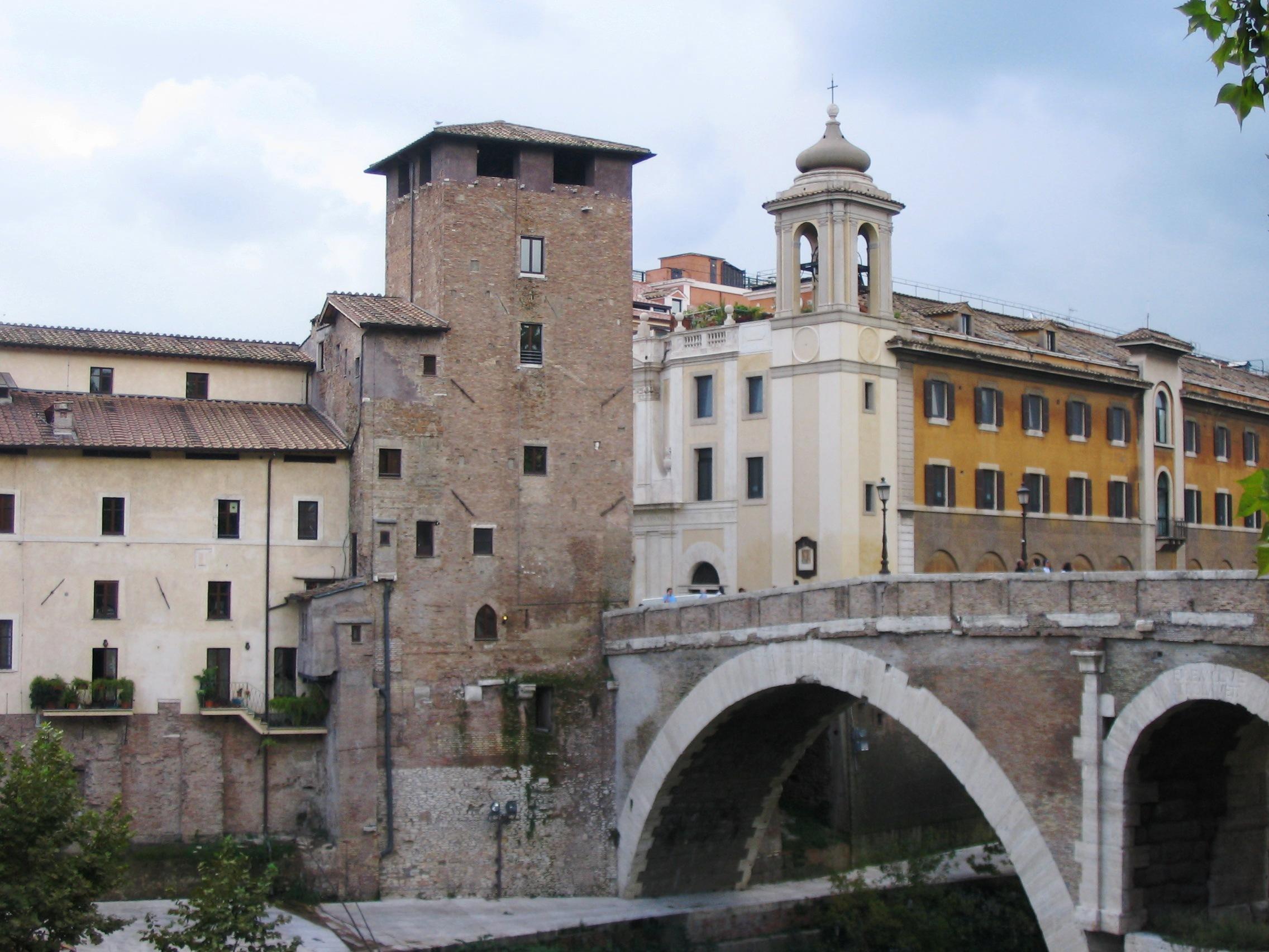 Ponte Fabricio med det maktiga tornet Torre Caetani