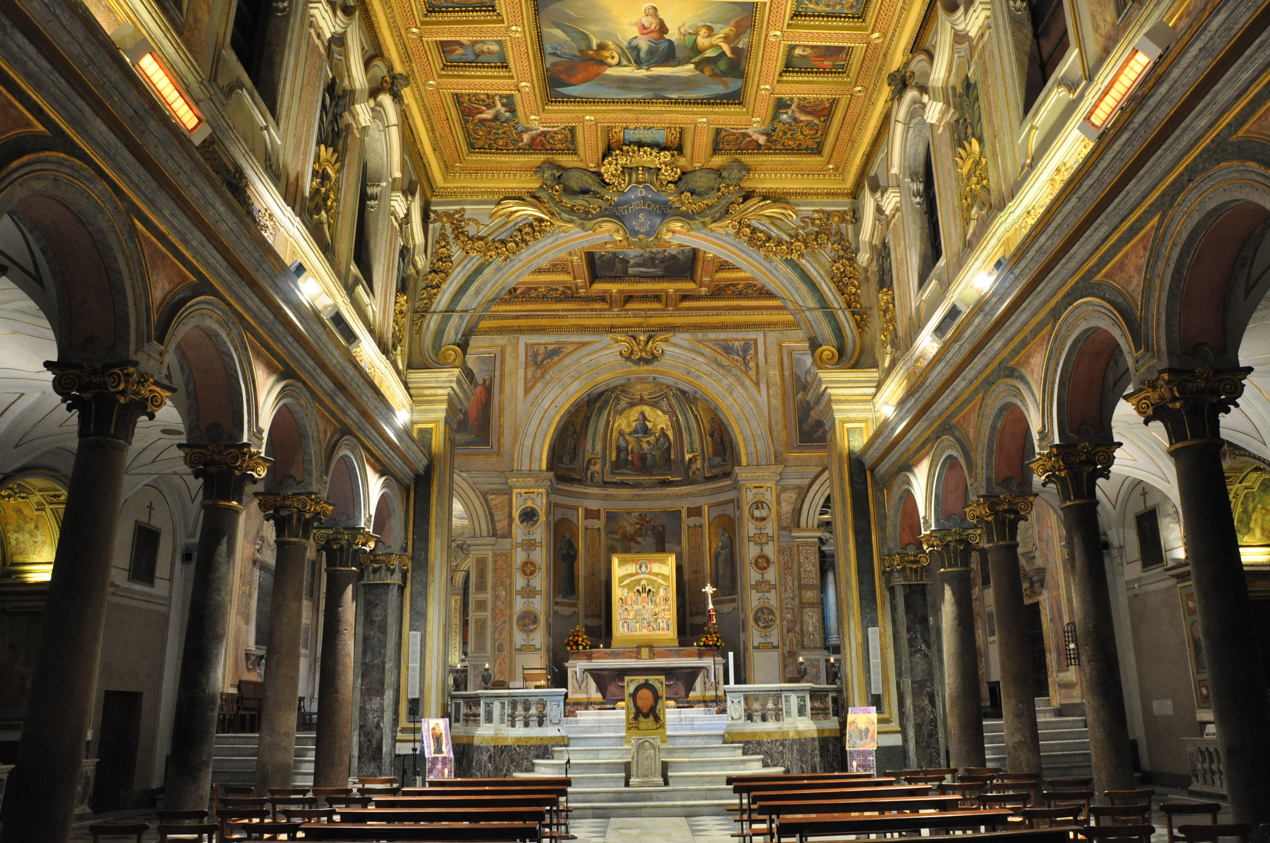 San Bartolomeo interiör